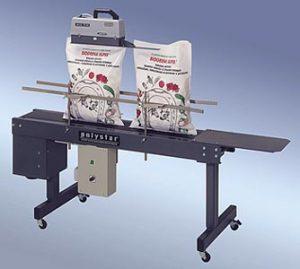 Polystar® 350 DSM földön lévő, állítható magasságú állvány szállítószalaggal